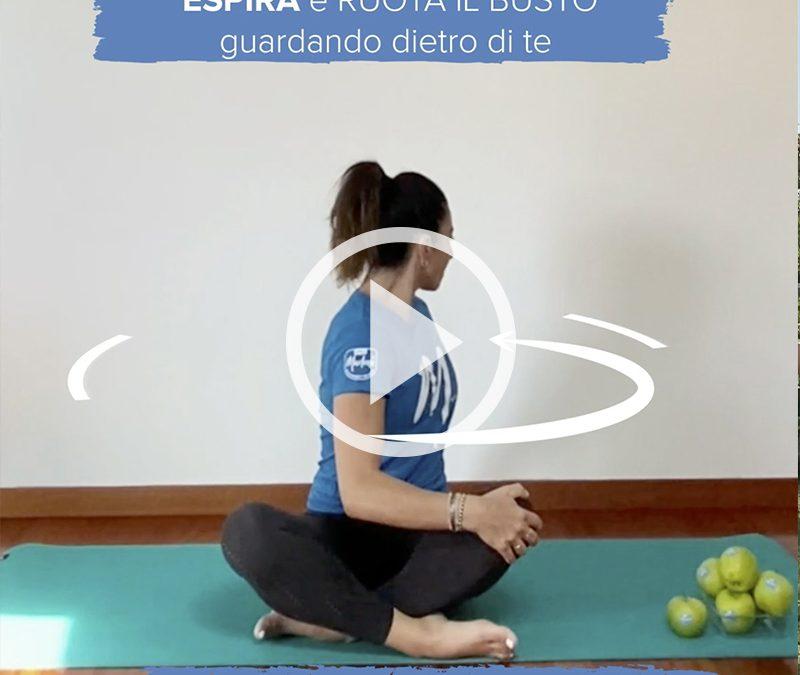 Esercizio di allungamento per schiena e collo